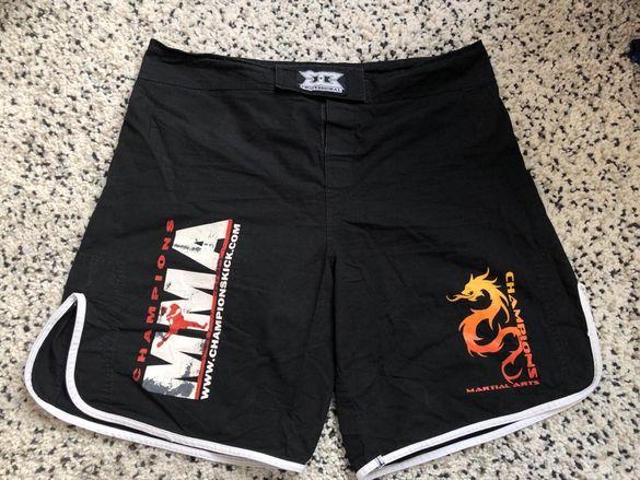 Професионални шорти за MMA L-XL размер