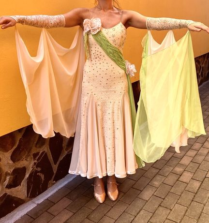 De vanzare rochie de dans!
