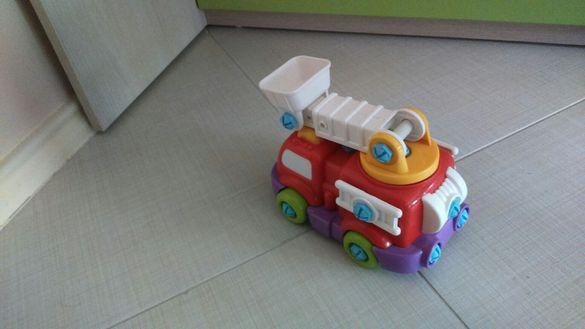 Детска играчка пожарна.