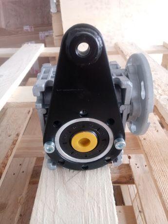 фалнци за мотори и редуктори/ изходяща ос/ реактивно рамо