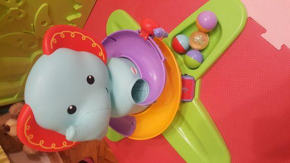 Fhisher Price Swirlin Surprise Elephant-Музикално слонче със топки