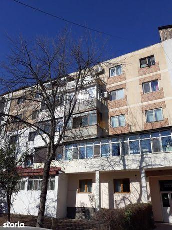 Apartament 3 camere - 81m², Fetesti Licitatie publica