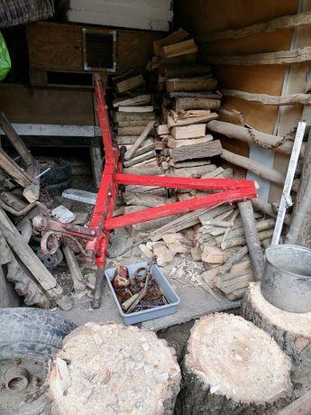Vând căruță pe lemn exact cum se vede, +4 butuci aro