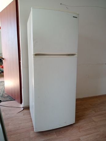 Продам холодильник Самсунг хорошем состояние