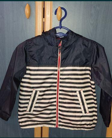 Куртка( ветровка,дождевик) рост 122 см