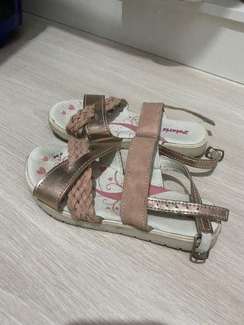 Детская обувь( для девочек)