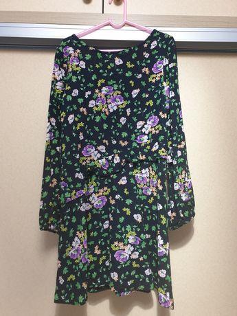 Продам платье для девочки 8-9 лет.