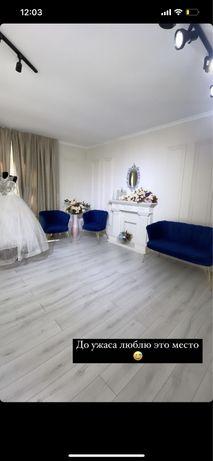 Продам диван с креслами и декоративный камин