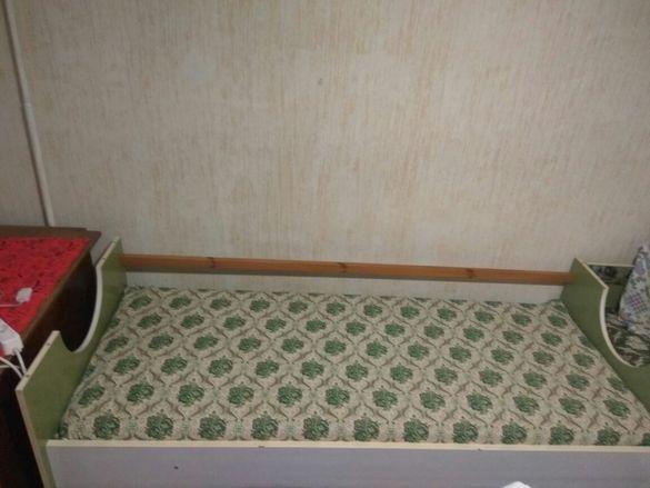 Детски легла 2 бр. с еднолицеви матраци