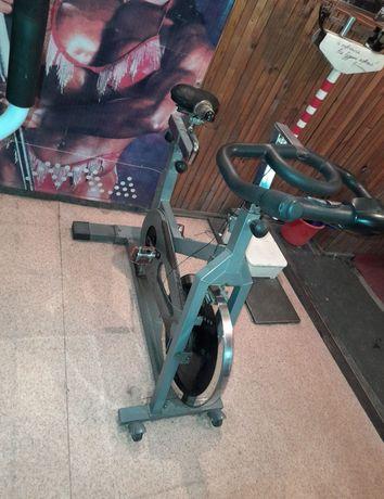 Продам тренажер велосипед