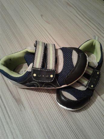 Продаю кроссовочки 24 р-р