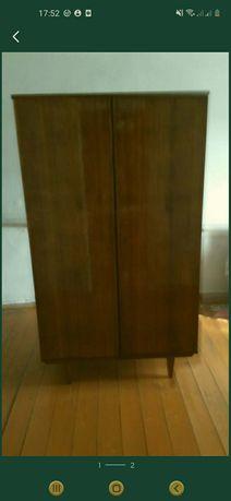Шкаф для платья и  орешница