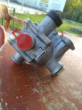 Релеен авариен клапан
