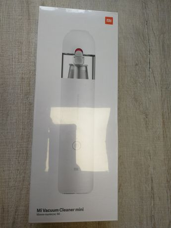 Xiaomi Mi Vacuum Cleaner Mini - портативна мини прахосмукачка
