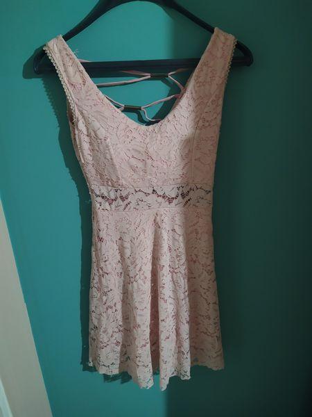 Розова дантелена рокля гр. Русе - image 1
