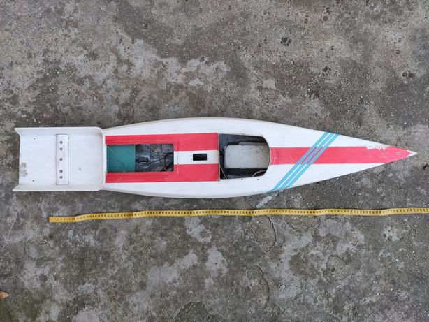 Navomodel barca nădit pescuit fibra de sticla lungime aprox 1 metru