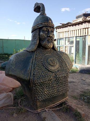 Хан батыр монумент статуя скульптур мусин бюст