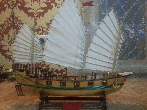 Продается деревянная модель корабля «PIRATE JUNK » ручной работы.