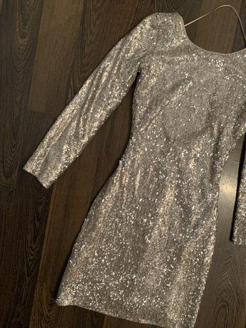 Rochie din paiete argintie cu maneca lunga si spate semi-gol XS