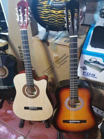 Продам классическую гитару 38 дюймов!