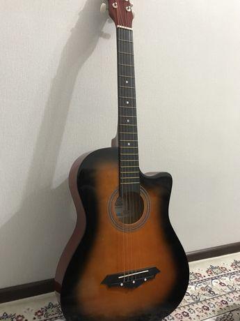 Гитара марки Foix