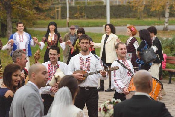 Фолклорен оркестър за Сватби, за извеждане на булка и други събития