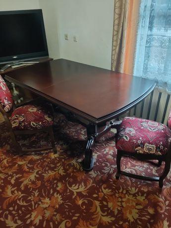 Продам большой резной стол со стульями