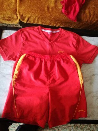 Продавам детски комплект(червено-жълт) -Slazenger original