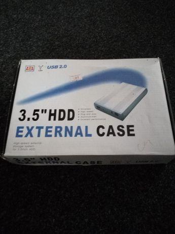 HD extern cu toate accesoriile