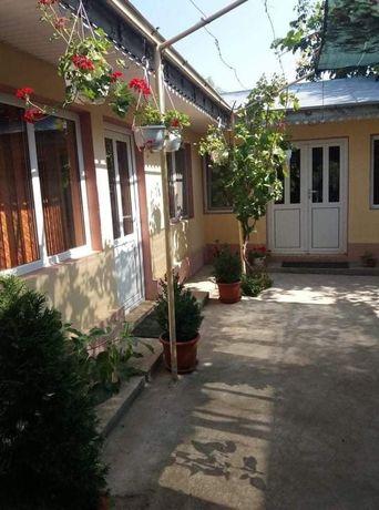Casa de locuit și spațiu comercial