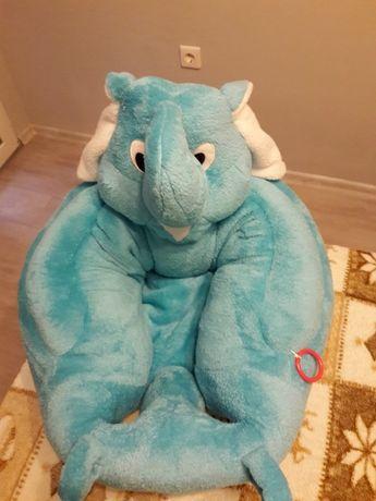 Плюшена бебешка седалка
