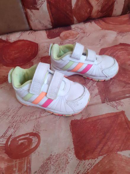 Бебешки маратонки
