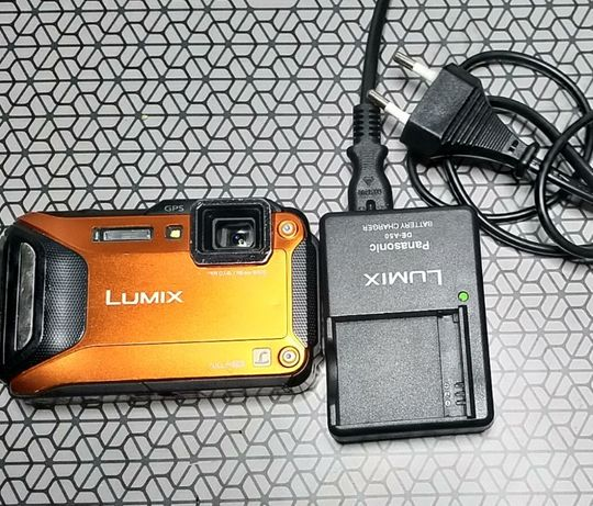 De vanzare camera Panasonic lumix dmc-ft5