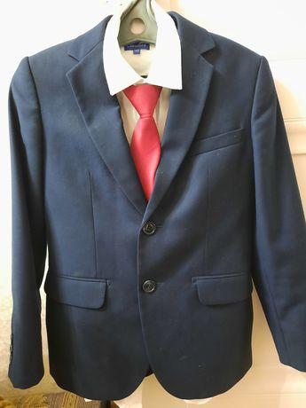 Школьный костюм Гласман. 36-размер. 4-5-кл. Одевал мало. Состояние отл