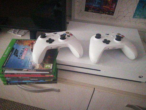 Xbox one S +2 Joystick-uri +Jocuri
