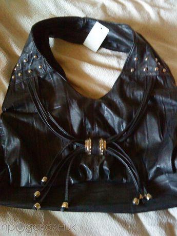 чанта в черно