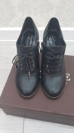 Женские туфли. Размер 36