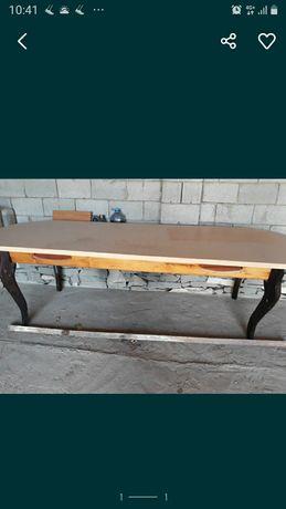 Продается стол отличном состоянием