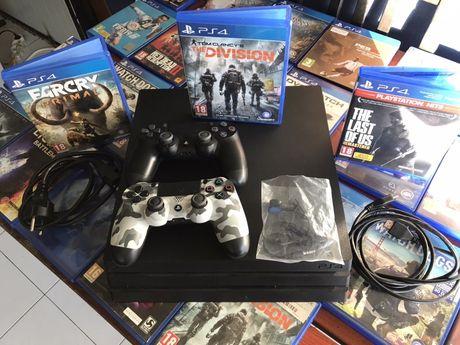 Ps 4 pro impecabil 2 manete 3 jocuri PlayStation 4 pro