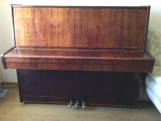 Пианино продам