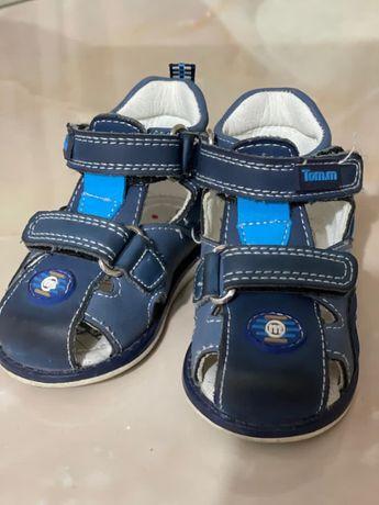Продам ортопедические сандали для мальчика