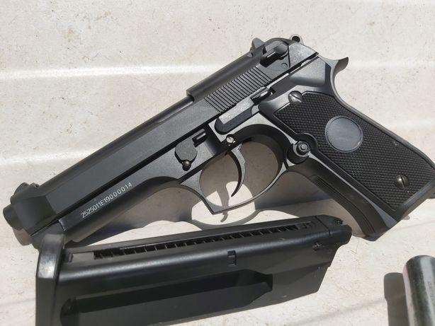 Pistol Beretta M9 airsoft FULL METAL Co2/GreenGas recul cutie CADOU  P