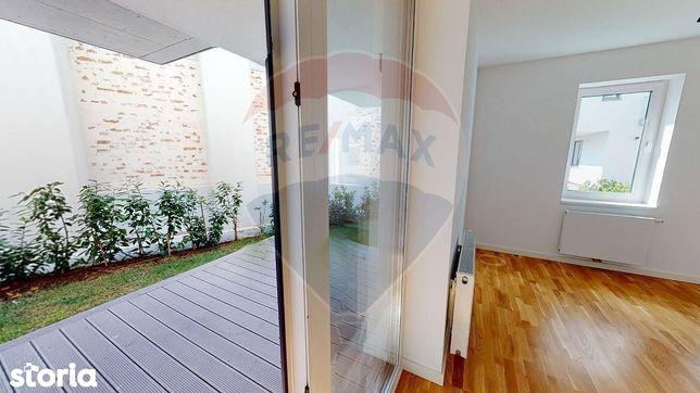 Apartament 2 Camere la vanzare cu gradina 89  mp  Casa Poporului