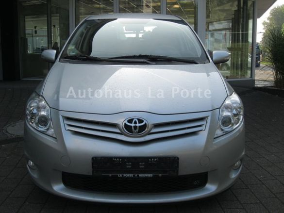 предлага части за Toyota Auris face Lift 1.6 16V,2.2dkat 2012