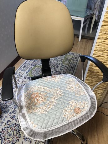 Кресло для компьютера. В отличном состояние