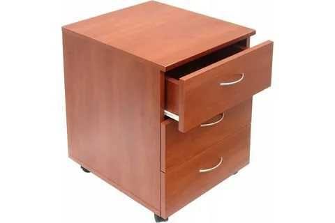 Распродам мебель в хорошем состоянии: прихожка, тумбочки, комод,столик