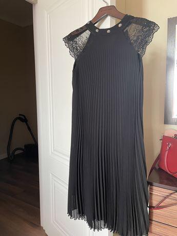 Платье- черное плиссированное
