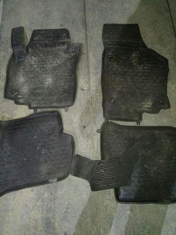 Оригинальные коврики с бортами для skoda yeti 2013 года