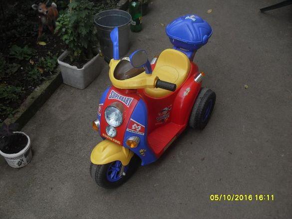 Продавам детски скутер