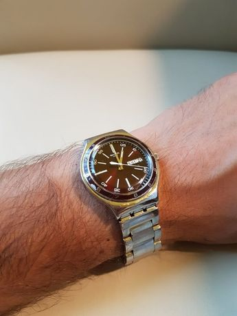 Ceas Swatch Irony All Steel Vintage Day/Date Burgundy Dial